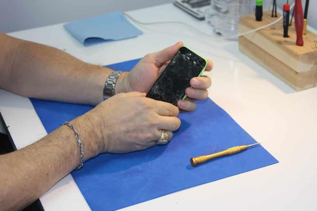 Smartphone repair experts