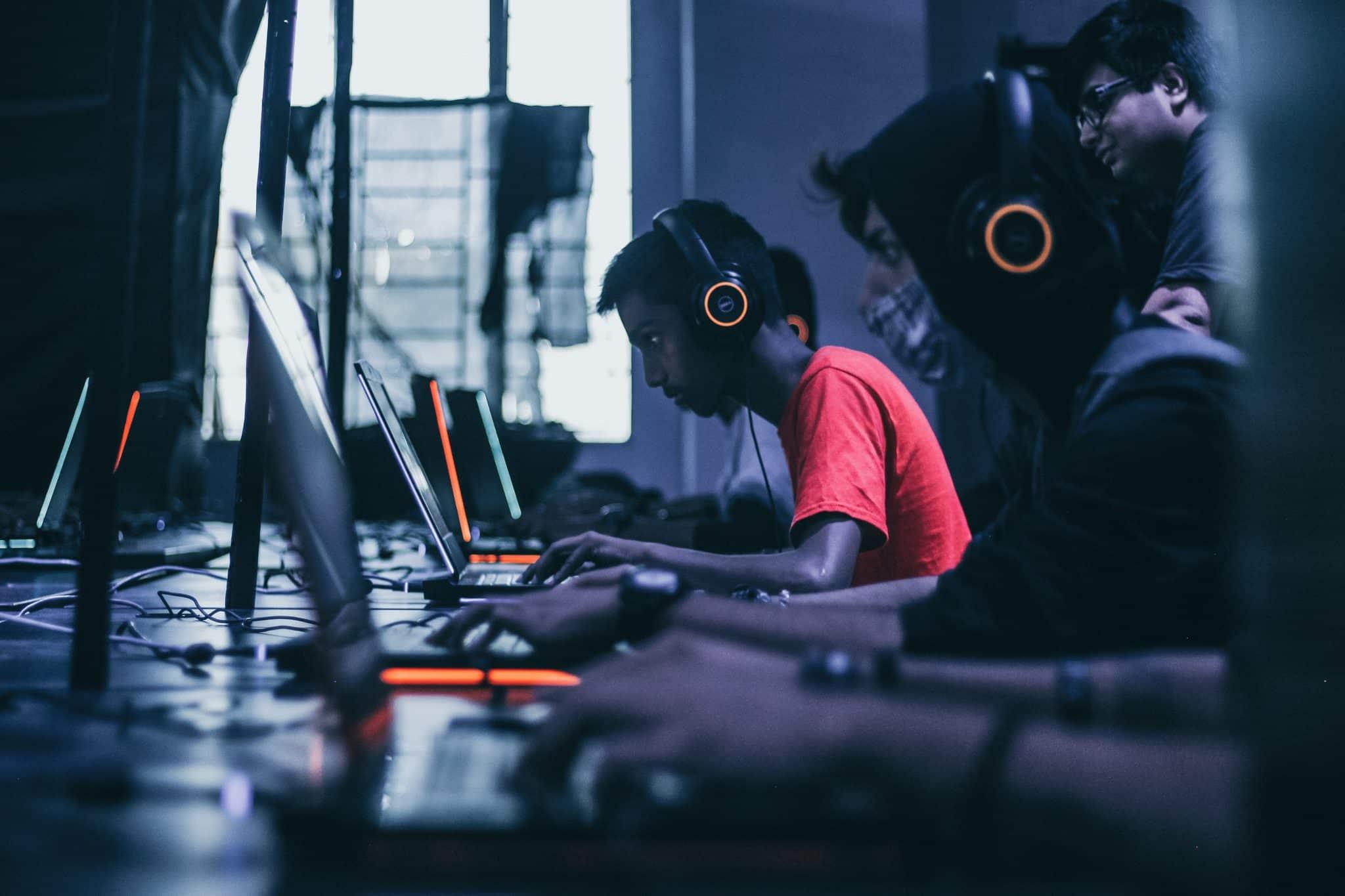 Chromebook vs laptop gaming