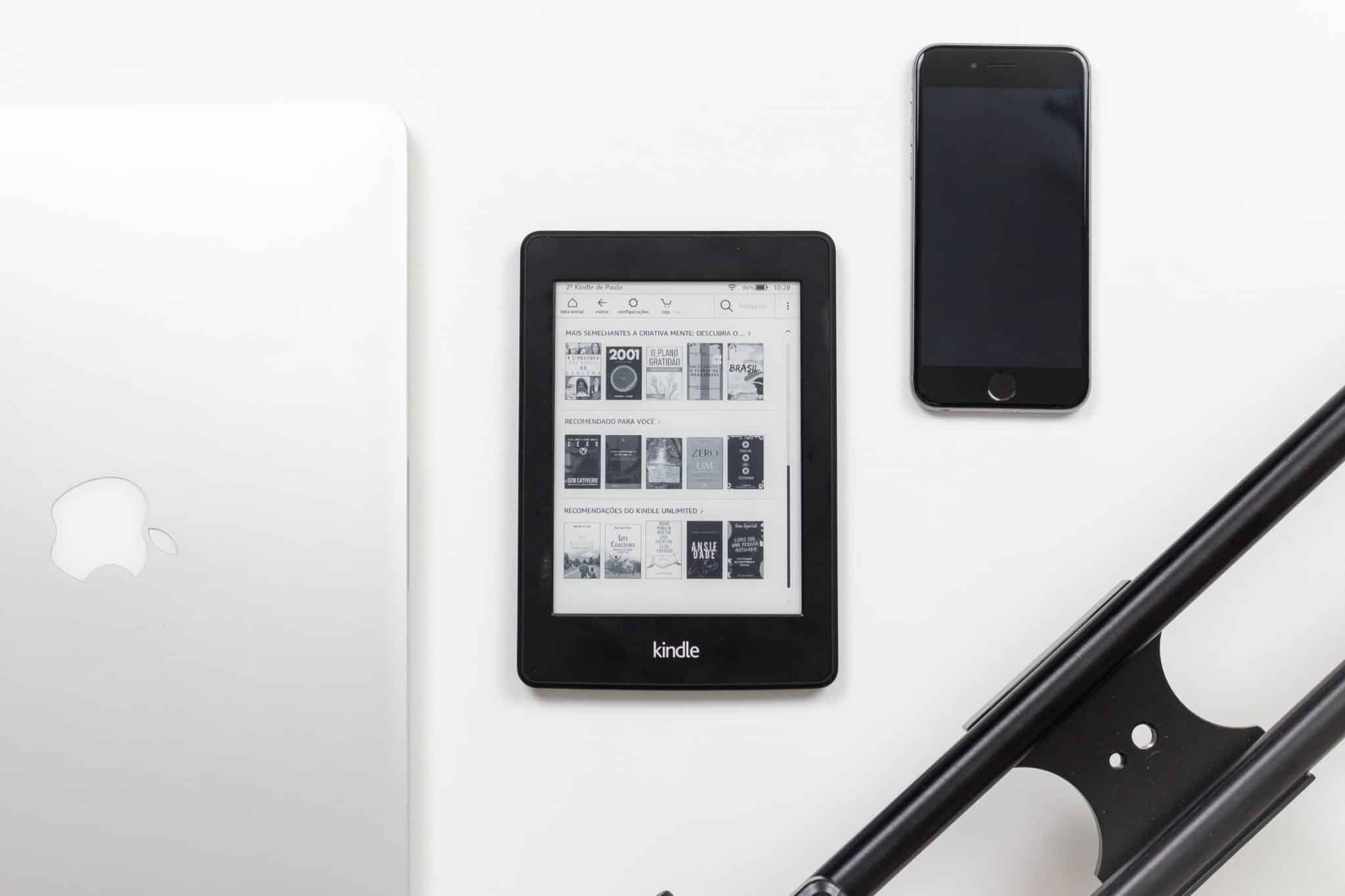 Kindle Paperwhite VS Oasis Comparison